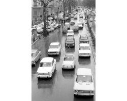 1972 L05 traffico auto viale Matteotti FIAT 500 1100 128 Alfa Romeo