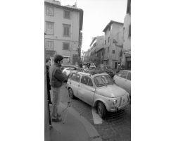 1987 B09 controllo audiometrico in via Verdi via Agnolo 02 FIAT 500