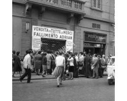 Foto storiche Firenze     negozio adrian via panzani
