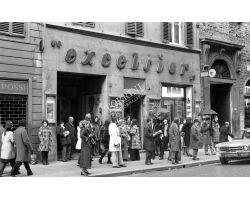 Foto storiche Firenze   cinema Excelsior in via Cerretani