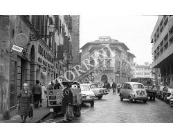 1968   Leica 27 2a  negozio Casa del Materasso via Pietrapiana