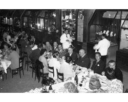 Foto storiche Firenze  cena degli orafi sul ponte vecchio