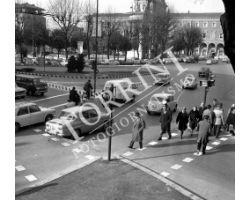 Piazza della Libertà semaforo auto