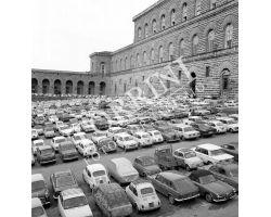 Posteggio auto in Piazza Pitti