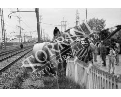 Autobotte invade ferrovia FFSS a Sesto