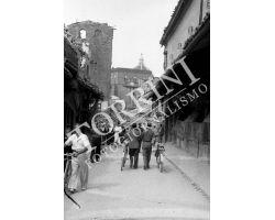 107 Ponte Vecchio con macerie in Via Por Santa Maria guerra