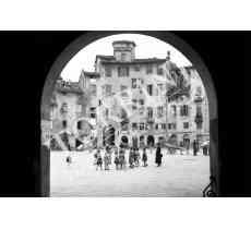 116 Lucca anfiteatro