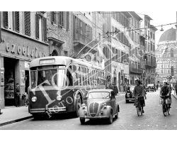 135 Tram auto biciclette in Via Cerretani
