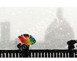 Ombrellino colorato sotto la neve al Piazzale Michelangelo