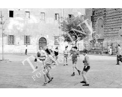 245 Bambini in piazza Cestello San Frediano