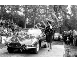 moda donna auto Ferrari