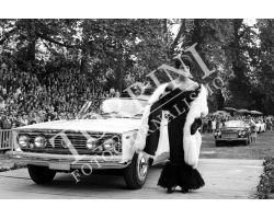 286 donna moda e auto lancia nel giardino di Boboli