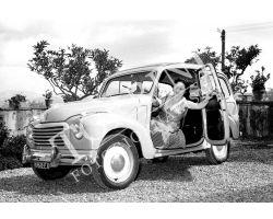 301 Donna su Fiat Giardinetta