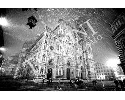 Duomo con nevischio bianco nero