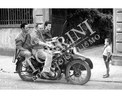 311 Cacciatori in moto con bambino