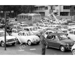 Traffico auto Fiat 500